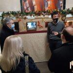 Cremona, a Natale presepi nei negozi e sotto la Loggia dei Militi