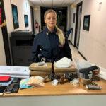 Roma, arrestato 57enne rumeno con due panetti di droga